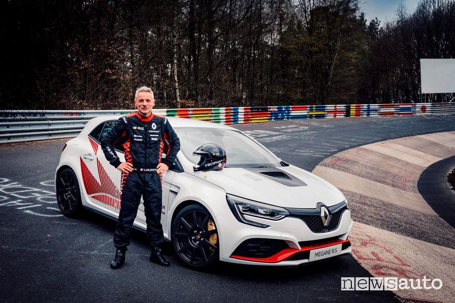 Renault Megane R.S. Trophy-R record al Nürburgring con Laurent Hurgon