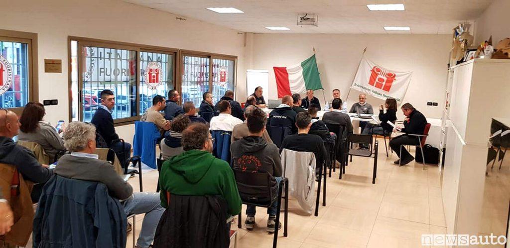 La sede di Modena della Federazione Italiana Fuoristrada Fif4x4 durante l'assemblea per il rinnovo del consiglio e cariche.