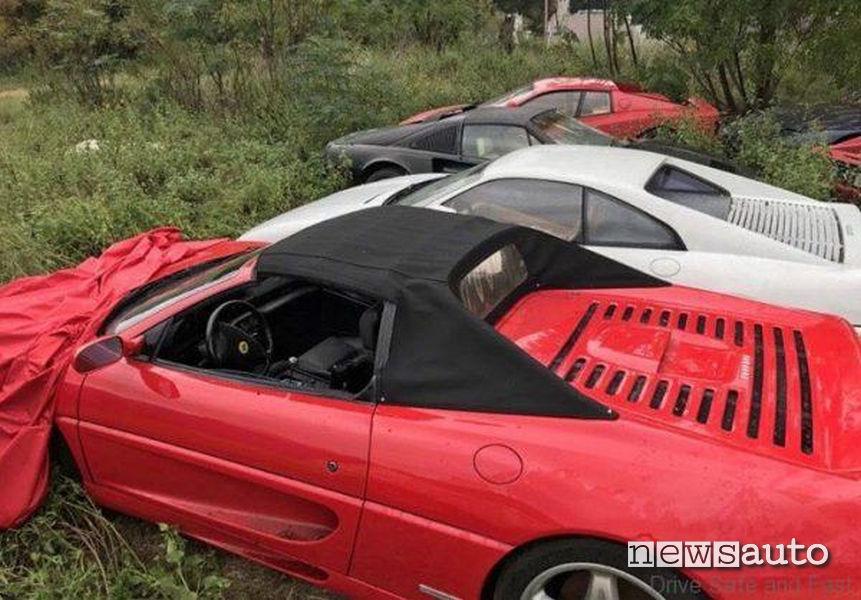 Ferrari abbandonate in Texas su un campo