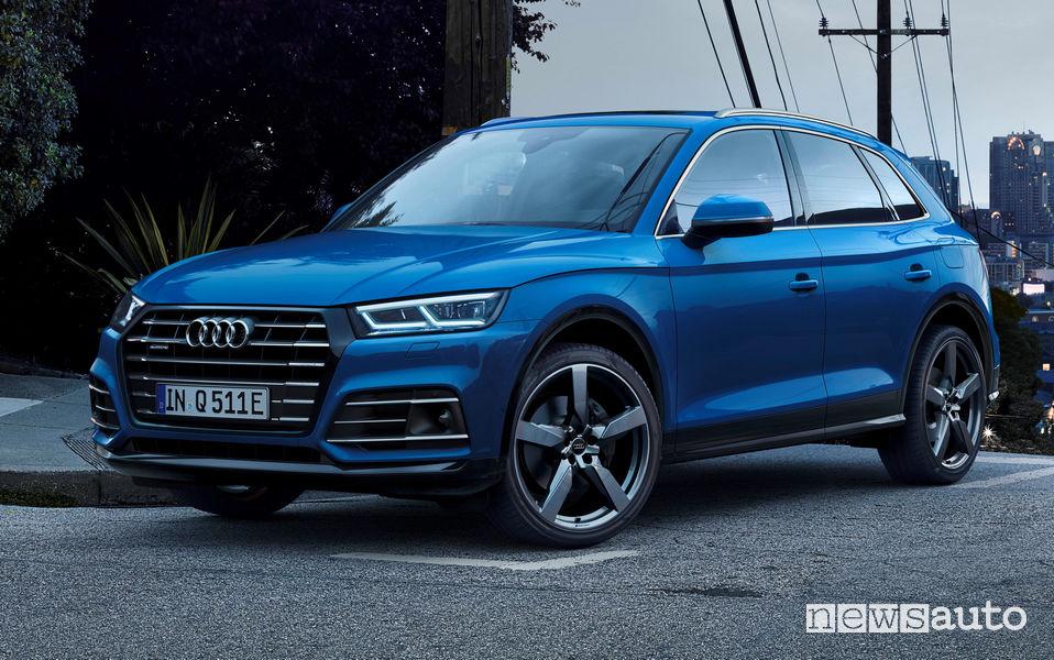 Audi Q5 TFSI e ibrido plug-in vista di profilo