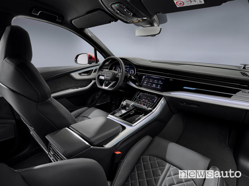 Audi Q7 2020 abitacolo