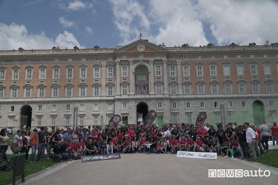 Reggia di Caserta con foto di gruppo del  Raduno Fiat Uno Turbo i.e 2019