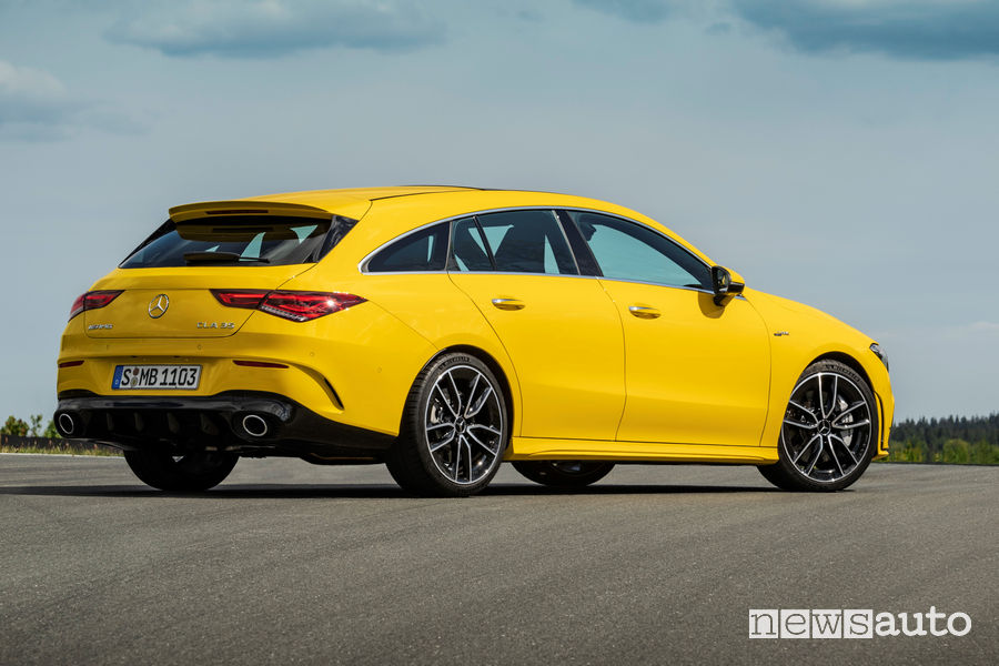 Mercedes-AMG CLA 35 4Matic Shooting Brake vista posteriore