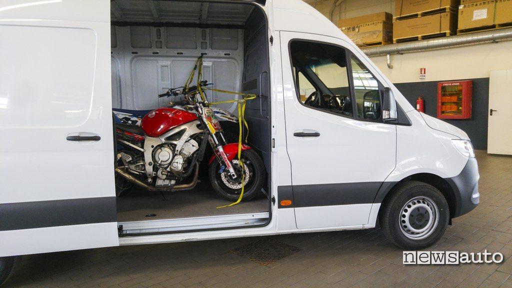 Porta laterale scorrevole Mercedes Sprinter  di accesso al vano di carico