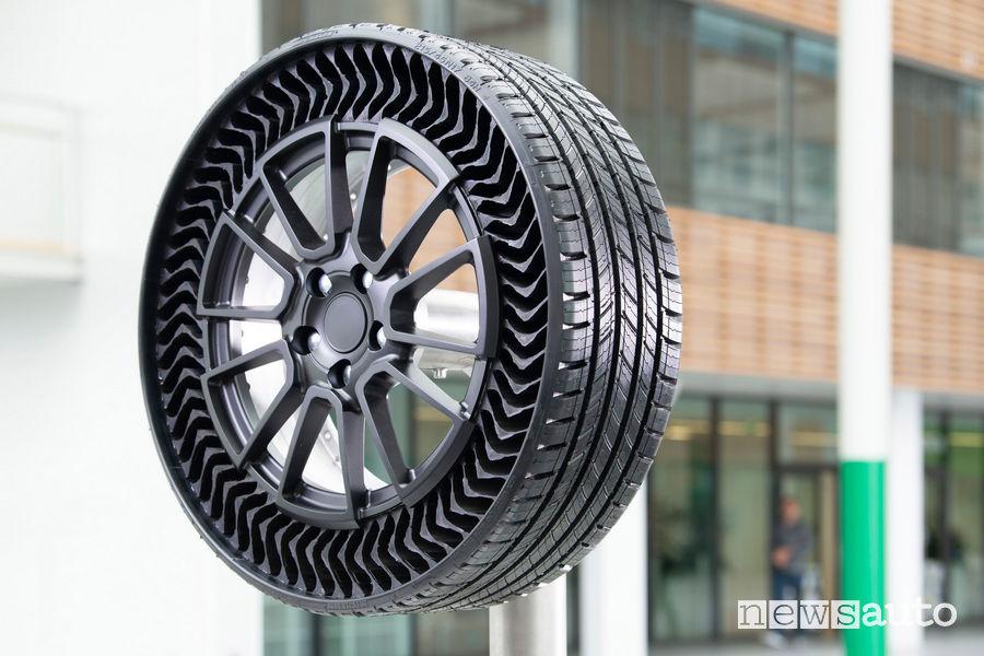 Michelin gomma prototipo Uptis che non si buca mai