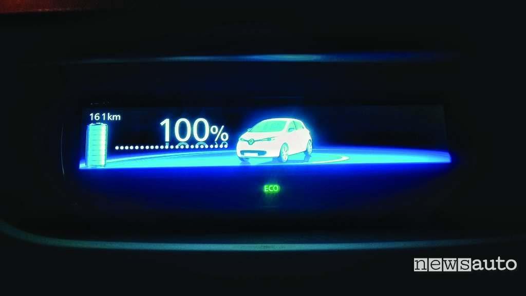 Renault Zoe ricarica completa autonomia 161 km