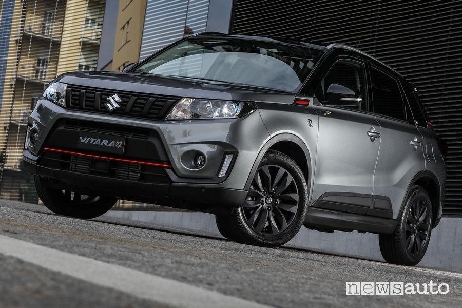 Suzuki Vitara Katana vista di profilo