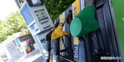 Prezzi benzina e gasolio, sconti sul carburante in Friuli