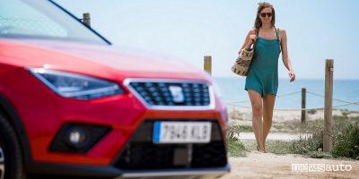 Guidare in estate mare spiaggia