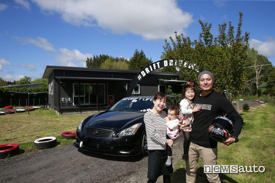 teruya drift casa Takeshi con la sua famiglia e la sua auto da drift