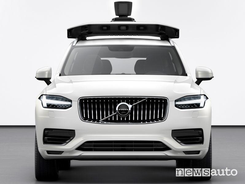 Volvo XC90 prima auto di serie a guida autonoma sviluppata insieme ad Uber