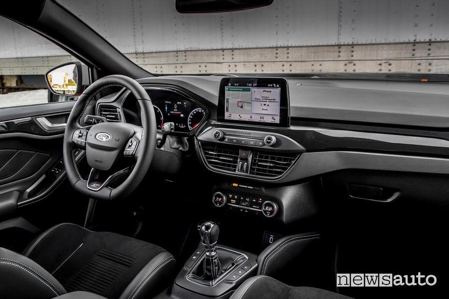 interni Ford Focus ST 2019