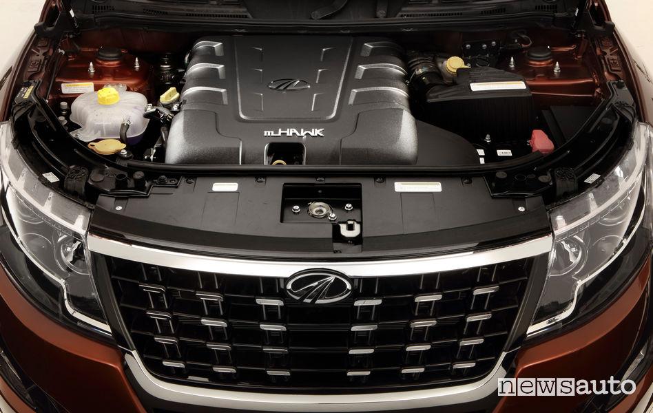 Mahindra XUV500 2019 vano motore