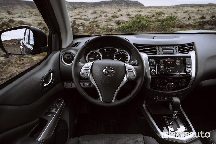 Nissan Navara 2020 Double Cab plancia strumenti