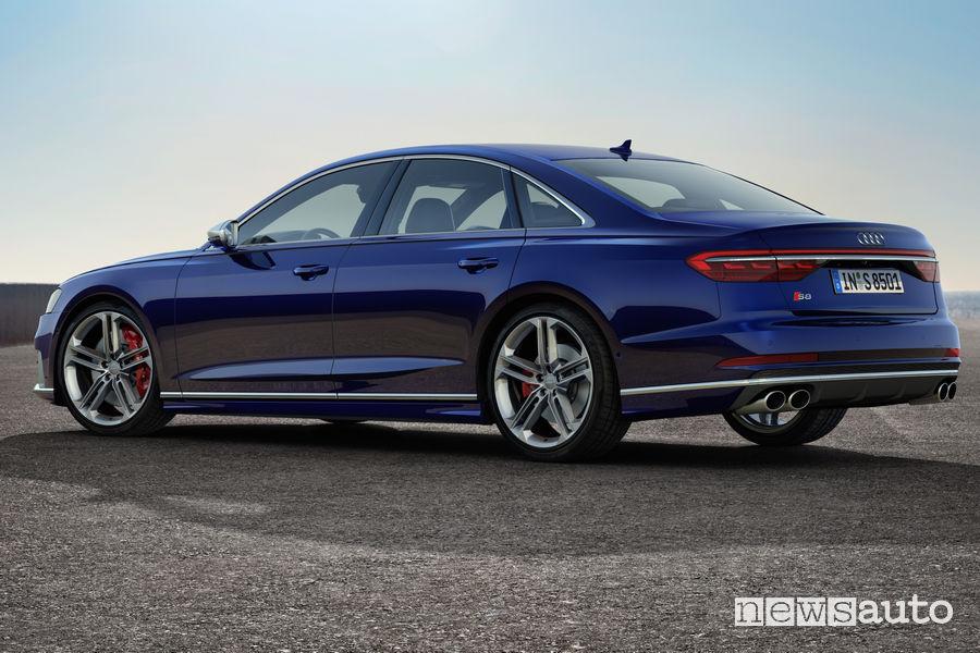 Nuova Audi S8 vista posteriore