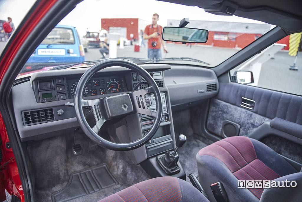 Renault Fuego Turbo interni 1983