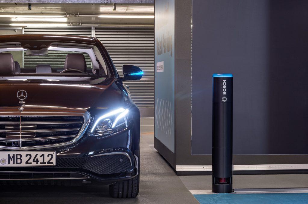 Infrastruttura Bosch per il parcheggio automatico con vetture Daimler