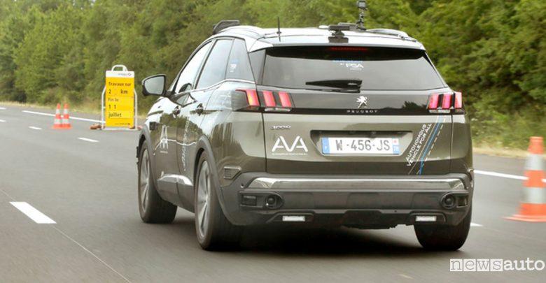 Guida autonoma in autostrada Peugeot 3008