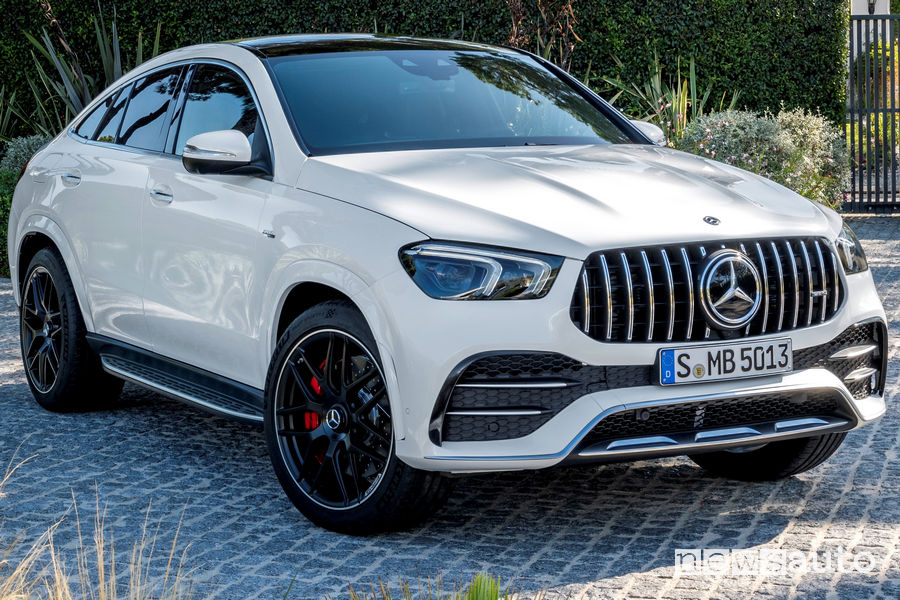 Mercedes-AMG GLE 53 4MATIC+ Coupé vista di profilo