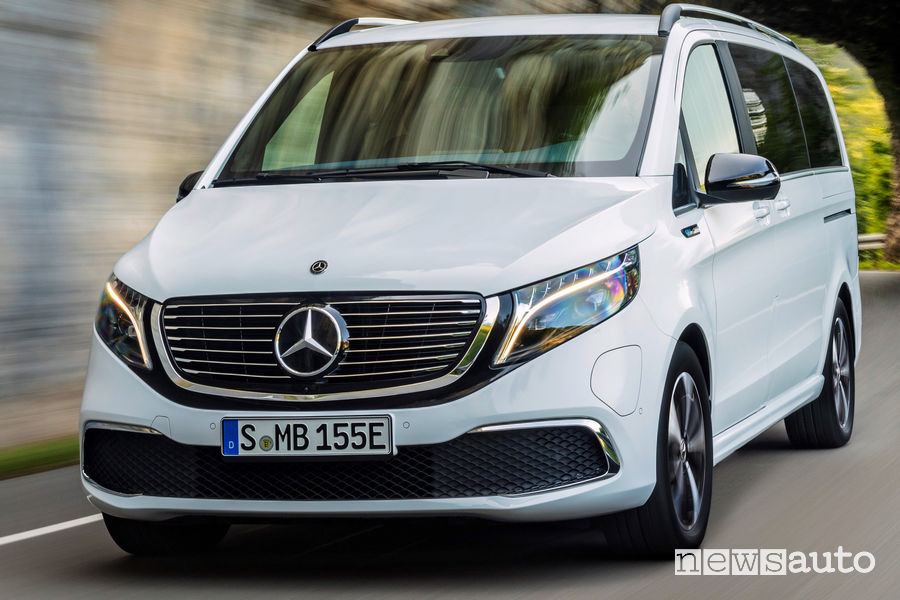 Mercedes-Benz EQV mascherina anteriore fari e logo mercedes
