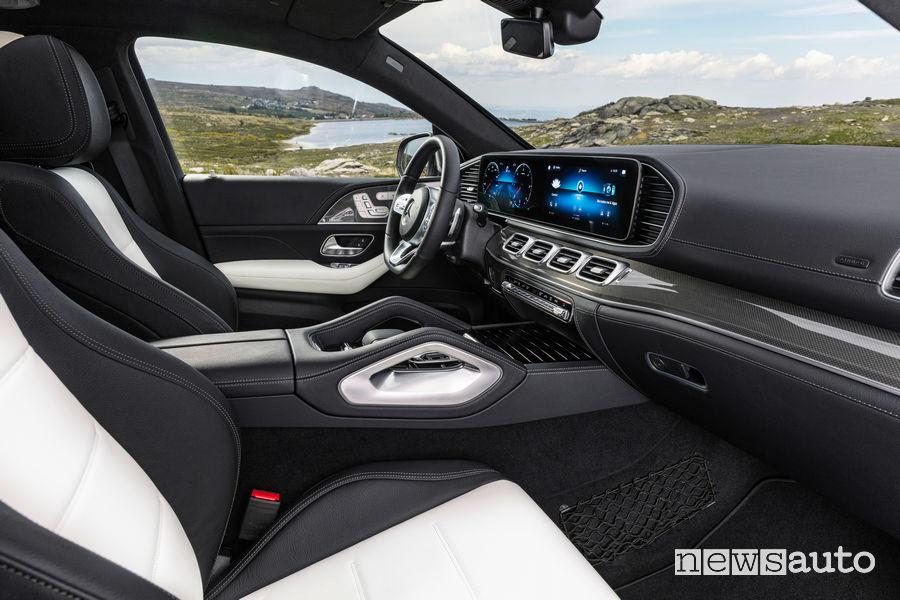 Mercedes-Benz GLE Coupé 2019 abitacolo sedili anteriori