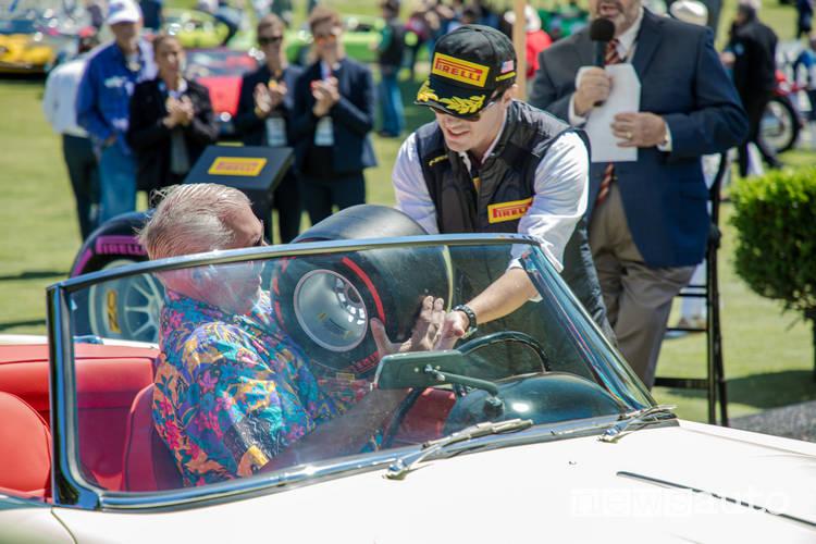 premiazioni pirelli con ruota F1 in miniatura al concorso italiano 2019