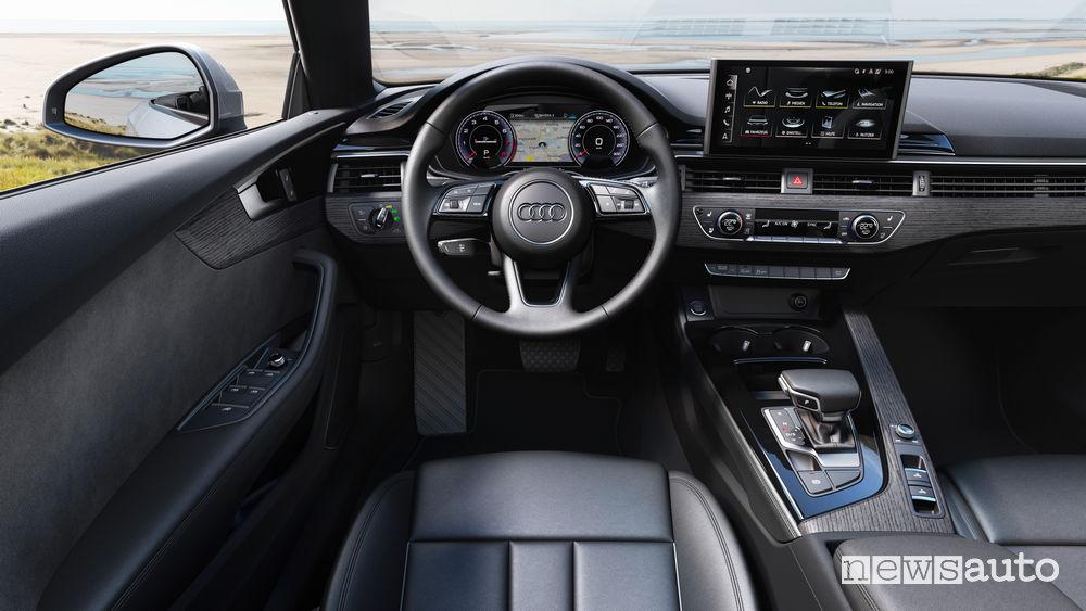 Volante Audi A5 Cabriolet abitacolo cambio automatico