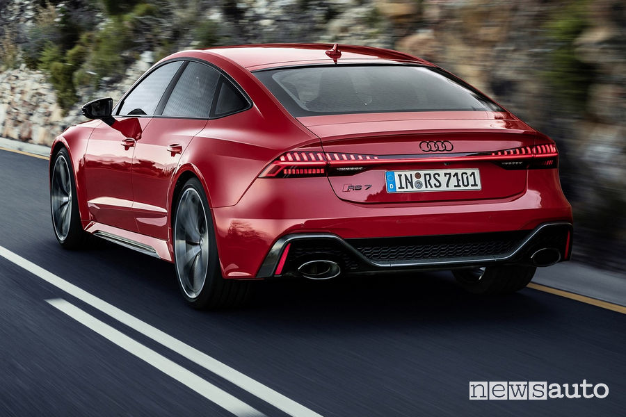 Banda luminosa a LED posteriore nuova Audi RS7 Sportback 2020