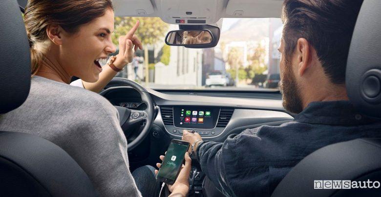 Connettività Opel infotainment OpelConnect Apple Car Play