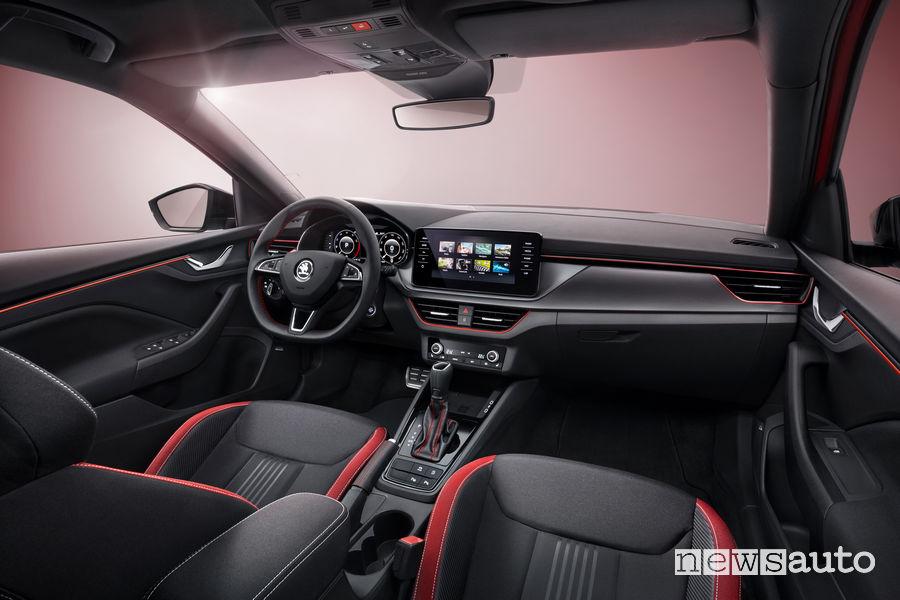 Skoda Scala Monte Carlo volante, touchscreen, sedili sportivi