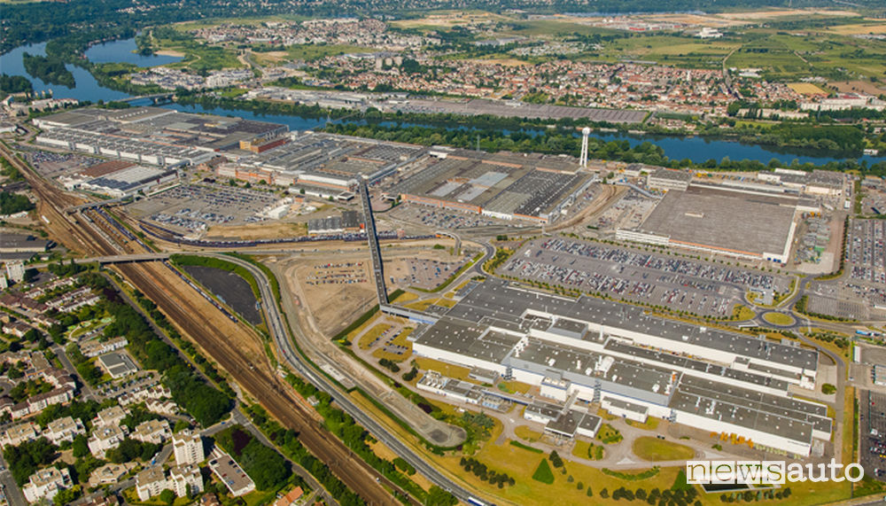 Sito industriale Groupe PSA di Poissy in Francia