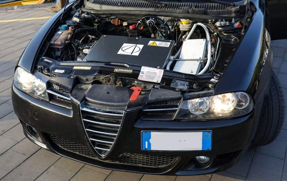 Retrofit elettrico su un Alfa Romeo trasformata in auto elettrica 100