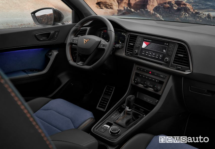 Volante, plancia strumenti Seat Ateca Limited Edition
