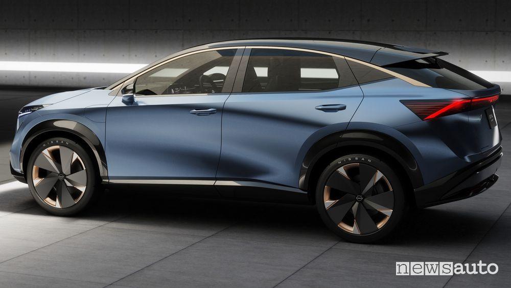Vista laterale concept Nissan Ariya