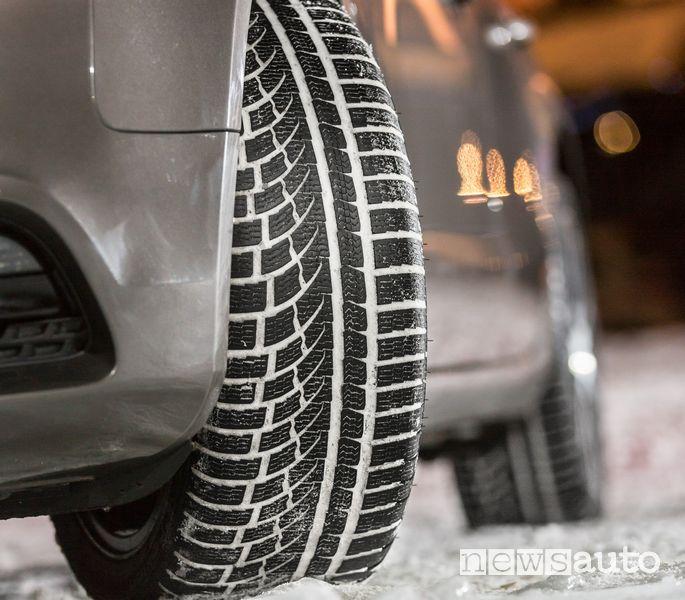 Battistrada pneumatico invernale Nokian WR A4