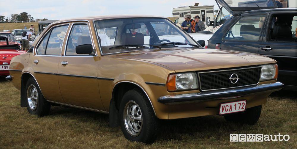Opel Ascona-B auto di serie