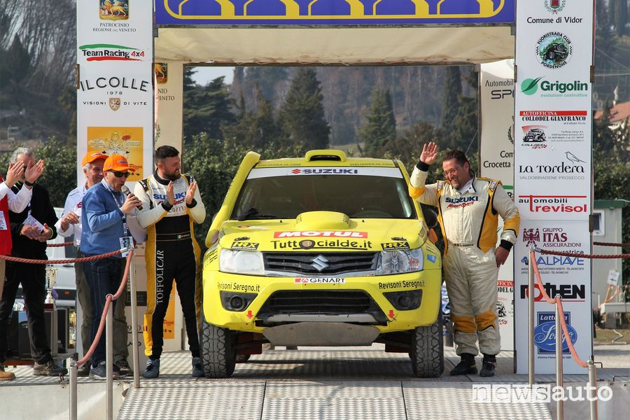 Suzuki Grand Vitara Codecà/Toffoli podio CI Cross Country 2019