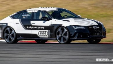 Photo of Guida autonoma, test in pista Volkswagen a Portimao
