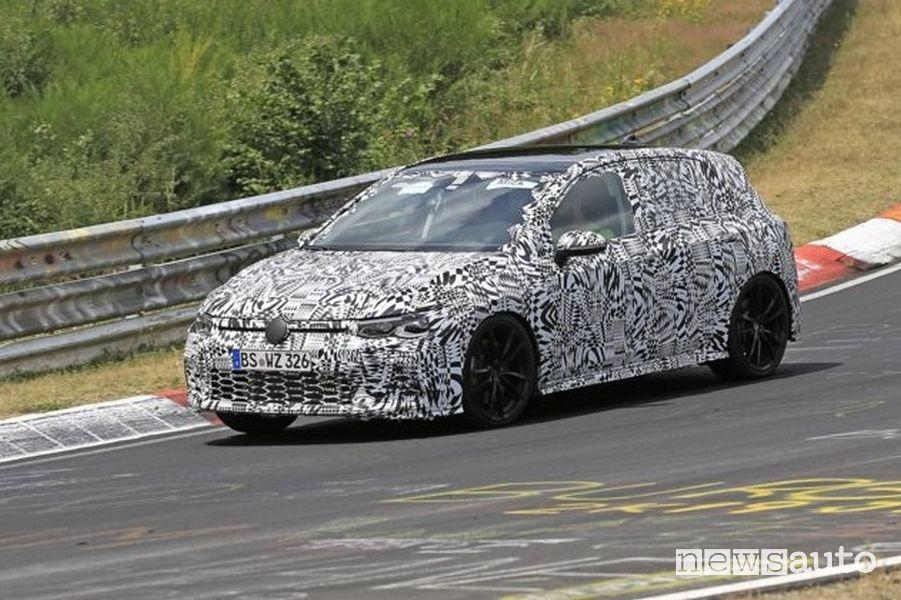 Volkswagen Golf 8 GTI test al Nürburgring