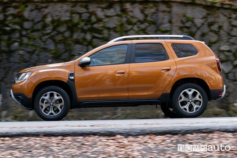 Fiancata laterale lato guidatore Dacia Duster benzina TCe 100