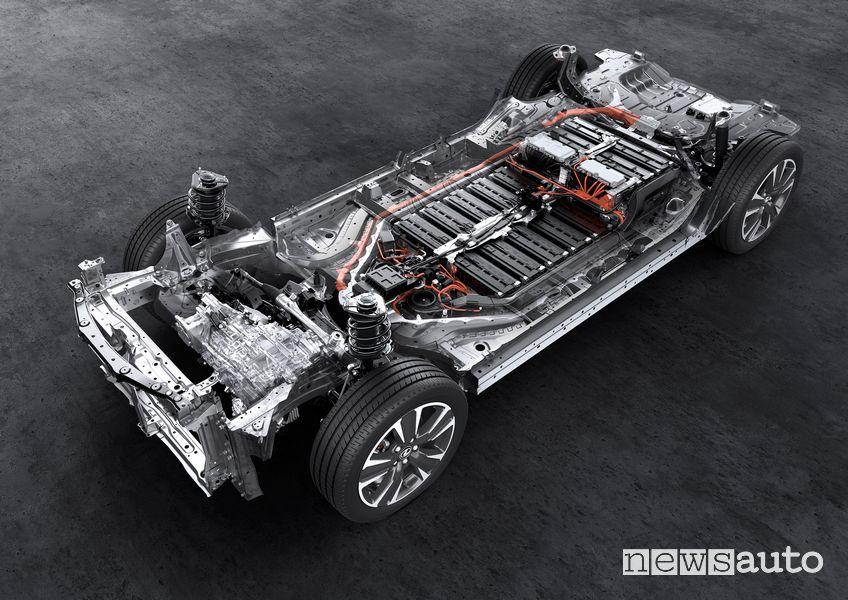 La Lexus UX 300e apre la strada all'elettrico del costruttore giapponese