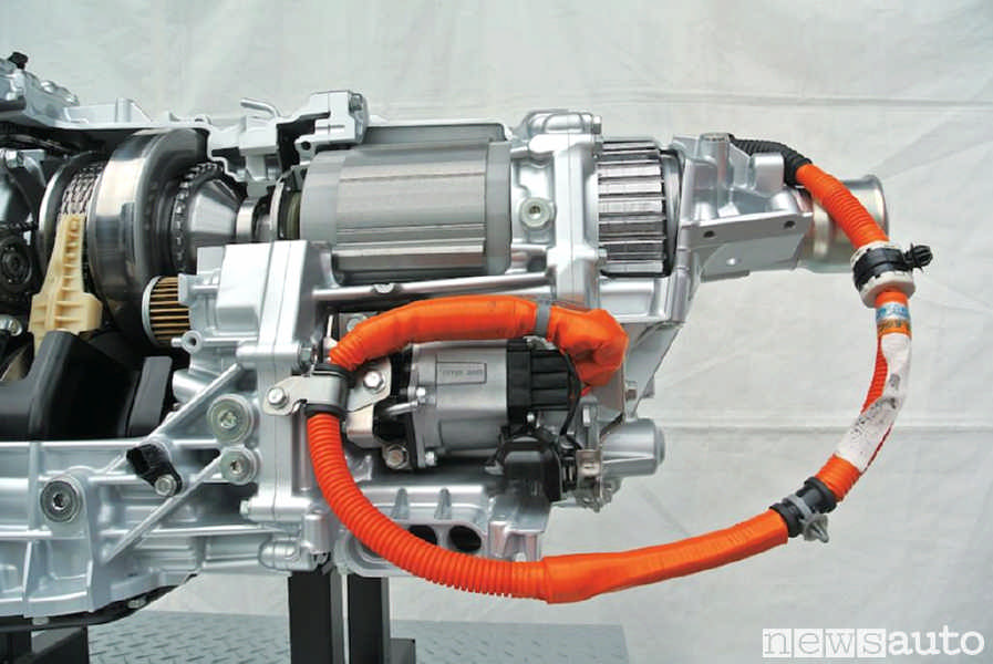 Il motore elettrico da 12 kW del nuov o Subaru Forester e-BOXER