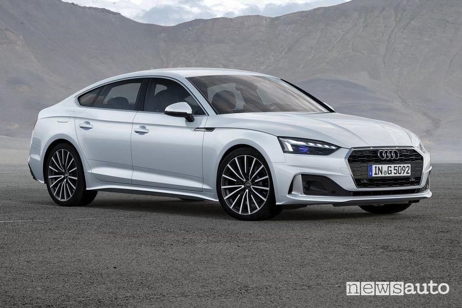 Vista di profilo Audi A5 Sportback g-tron a metano
