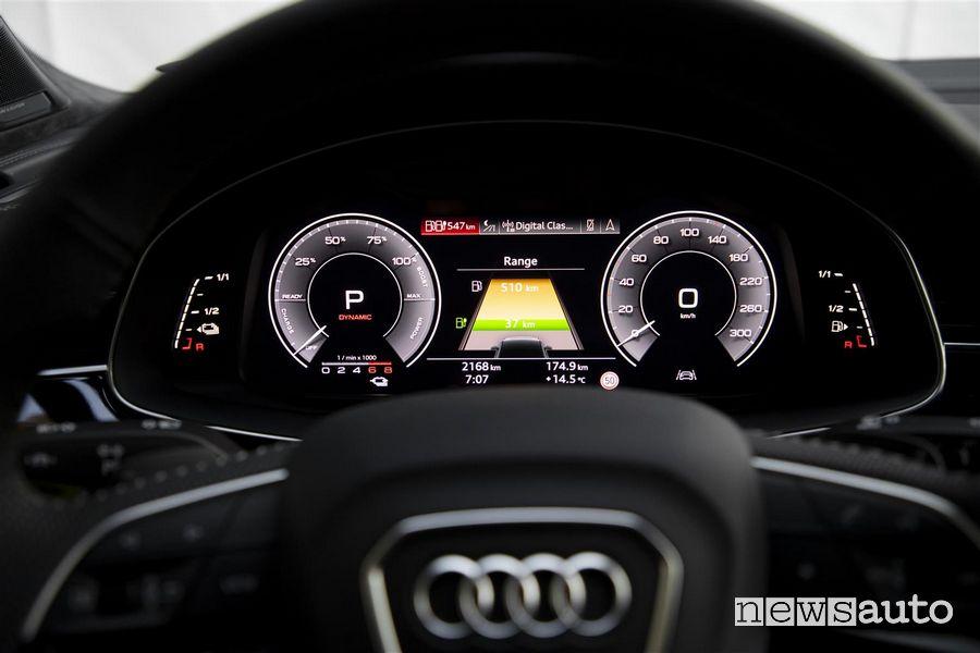 Quadro strumenti digitale Virtual Cockpit Audi Q7 TFSI e quattro SUV plug-in