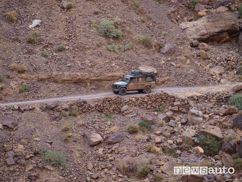 Land Rover Defender alla Budapest-Bamako