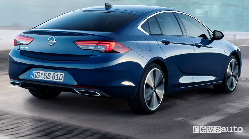 Terminali di scarico squadrati posteriori Opel Insignia Grand Sport 2020