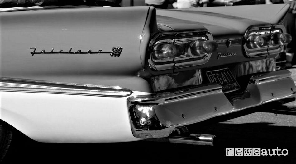 Ford Fairlane 500 del 1958 nella Dolce Vita di Federico Fellini