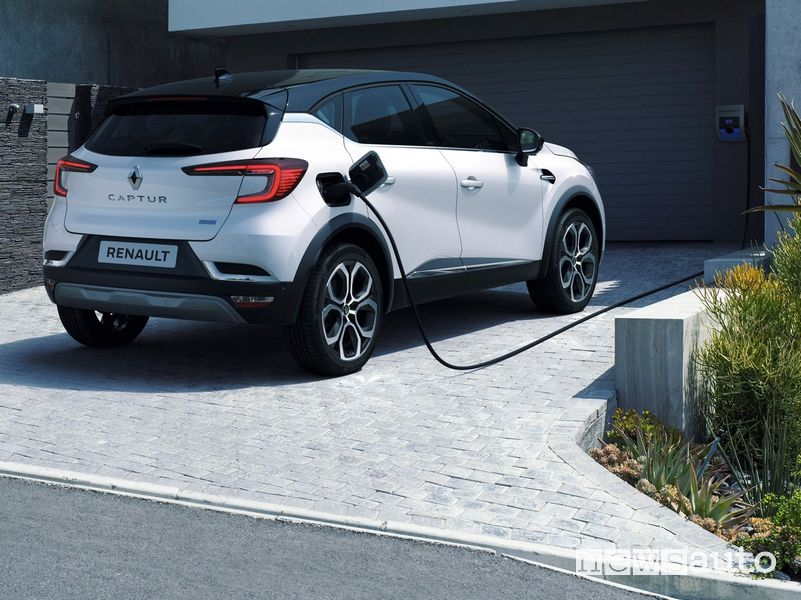 Ricarica da wallbox domestica Renault Captur E-TECH Plug-in