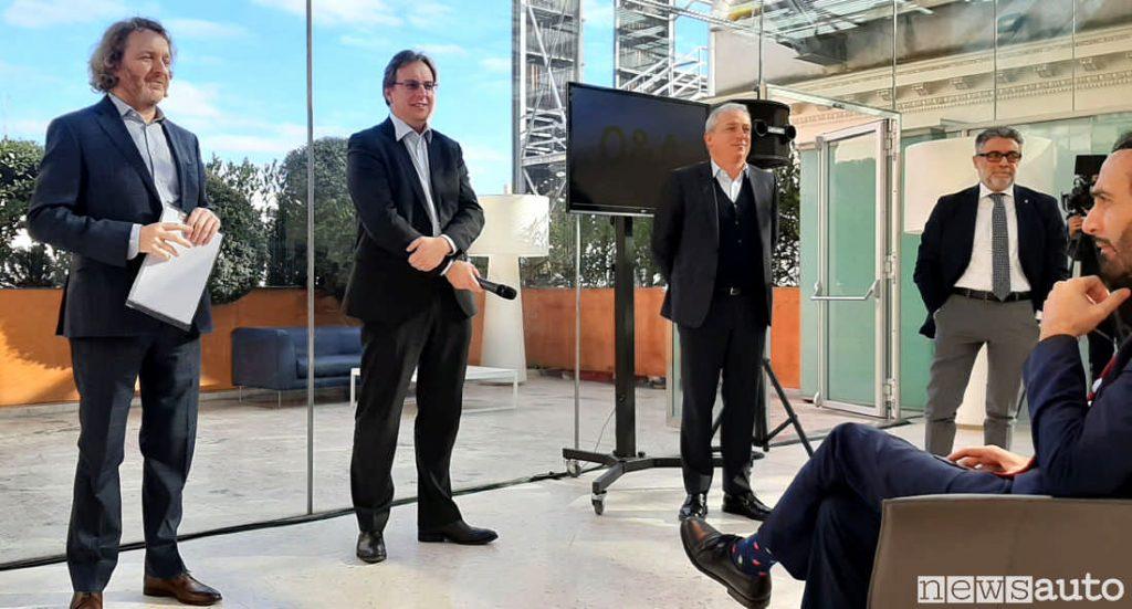 Da Sinistra Francesco Fontana Giusti,  Xavier Martinet direttore generale di Renault Italia,    Pascal Pozzoli direttore di Rci Bank and Services Italia e Nicola Mausol, direttore generale di Renault Retail Group Italia. Biagio Russo direttore marketing Renault Italia