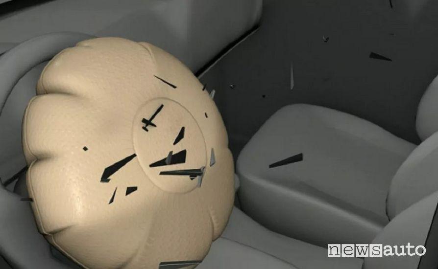 schegge mortali esplosione airbag difettosi Takata